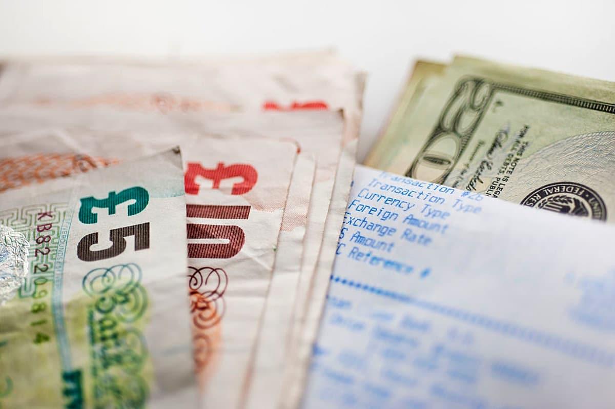 Entenda os custos do mercado de câmbio compra de moeda internacional