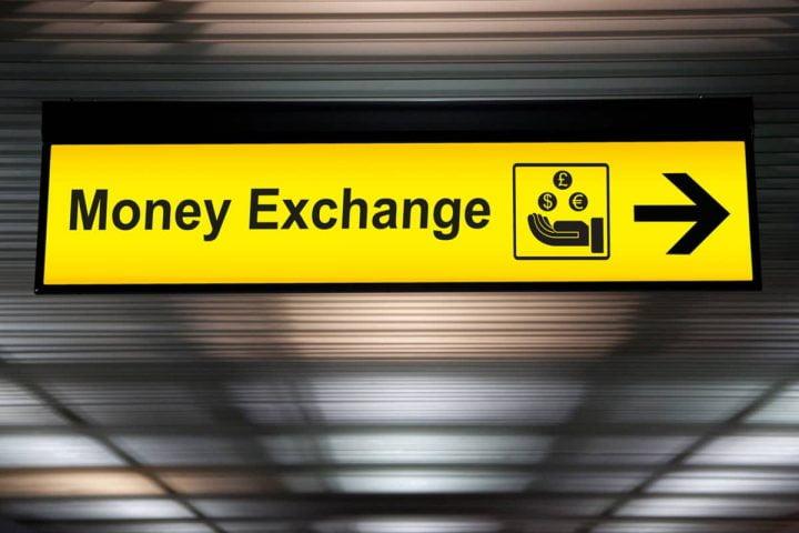 Mercado de câmbio para compra de dólar e moeda estrangeira